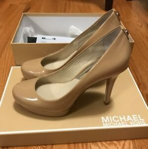 Michael Kors Pump in nude. Size 5