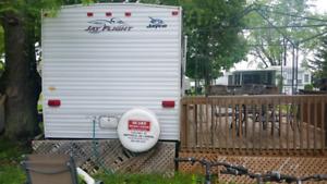 2008 jayco 30 foot trailer located in Lindsay 2 bedroom