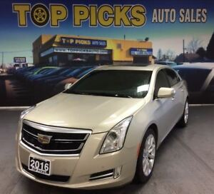 2016 Cadillac XTS AWD, ONE OWNER WITH ONLY 14,000KMS!!