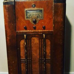 1930s full-size radio