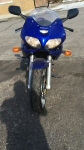 Suzuki sv 650 en excellente condition