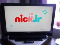 "40"" SCREEN LCD TV with stand and remote. PERFECT WORKING ORDER. ******REDUCED £80******"
