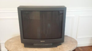 """27"""" Sony Trinitron Old TV  for Sell"""