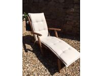 Peru Steamer Garden Chair with natural coloured cushion