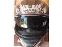 Shark Squawl size M