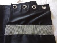 2pairs of lined curtains