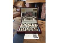 Boxed silver plated canteen of cutlery