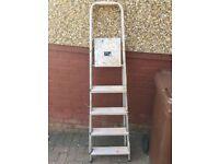 Folding step ladder - 5 step
