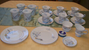 """21 pcs assorted Queens fine bone china dishes -""""Seagull"""" pattern"""