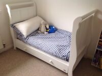 White VIB cot/cot bed and changing station