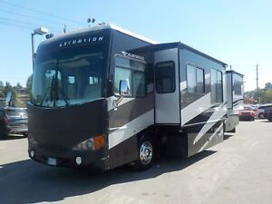 2004 freightliner-fleetwood X-Line Excursion 350HP Class A Diese