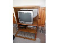 """TELEVISION 20"""" GOODMANS CRT WITH TV CABINET"""