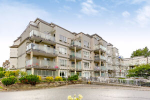 #402 14355 103rd Ave, Surrey, BC