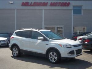 2013 Ford Escape SE AWD / LEATHER / NAVIGATION / SUNROOF