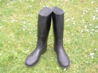 Childs size 2 long riding boots black rubber