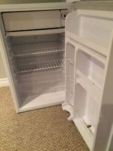 MINT CONDITION BAR FRIDGE WITH FREEZER!!