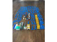 Thomas the tank engine battery power train set and accessories