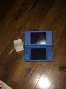 ds i xl and charger and games