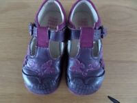 Clarks Girls shoes - 6.5F