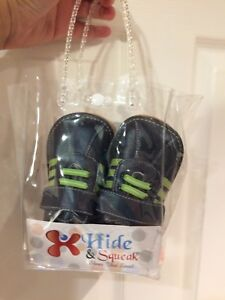 Brand new leather squeak shoes size 8T child