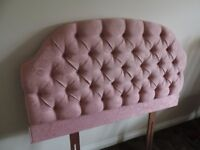 Headboard in button back material
