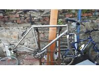 specialised sirrus pro frame