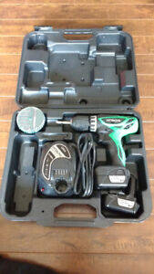 Hitachi DS 10DFL Cordless Driver Drill (with 2 batteries)