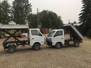 2 Suzuki carry's