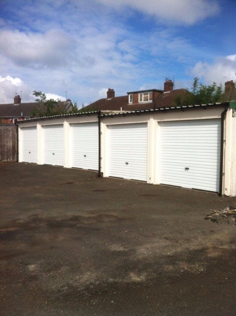 LOCK UP GARAGE TO LET IN COVENTRY.