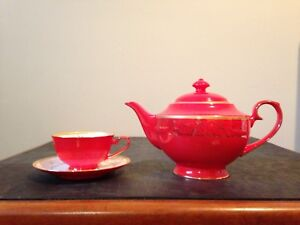 Never used -Red China Tea Pot w/ 4 cups