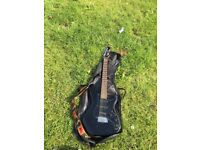 Black Electric guitar Yamaha SE203 stratacasta