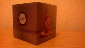 VICTOR & ROLF 'BONBON' LOVELY FRAGRANCE FOR LADIES, NEW-SEALED, COLLECTION/DELIVERY. TEL.07803366789