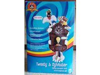 WARNER BROS Looney Tunes Tweety and Sylvester Animated Talking Cuckoo Clock