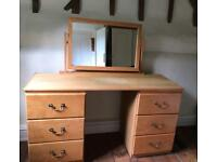 Dressing table with mirror in ash wood