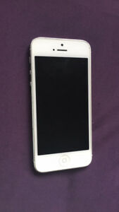 iPhone 5 great condition on Virgin/Bell