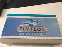 Fly flot buckle clog