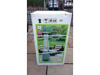 AZ Quartz glass tube patio heater ( Brand new in box)