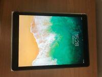 Apple iPad Pro 128GB, Wi-Fi, 12.9in - Space Grey Bundle - Like New