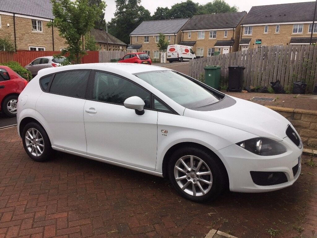 seat leon 1 2 tsi 2011 in huddersfield west yorkshire gumtree. Black Bedroom Furniture Sets. Home Design Ideas