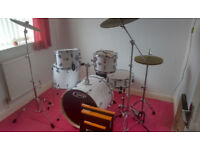 DW PDP Mainstage Rock Drum Kit Gloss White | Zildjian L80 Cymbals | REMO Silentstroke Heads | As New