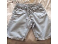 DENIM CROP SHORTS FROM TOPSHOP - SIZE 28 WAIST. ONLY WORN ONCE!
