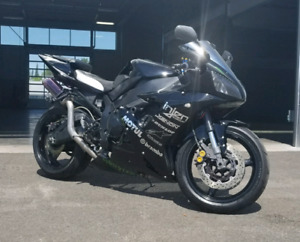 2002 YAMAH R1 **PRICED FOR QUICK SALE**