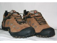 Merrell Chameleon Wrap Gore-Tex XCR (Hiking Shoes) in Sandstone UK 10 (US 10.5 EU 44.5)