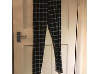 Super Soft Black & White Stripe Leggings
