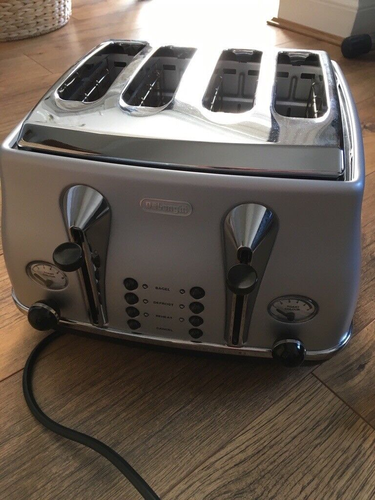 DeLonghi Kettle and Toasterin Bournemouth, DorsetGumtree - DeLonghi Kettle and Toaster DeLonghi Kettle and Toaster for sale in very good condition. Both are used but very clean and in perfect working order. Bargain for the pair (no box for the toaster)