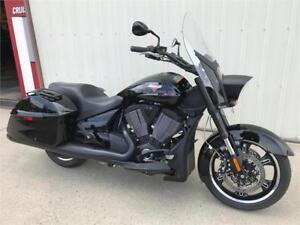 2014 Victory Crossroads 8-Ball - NEW with Warranty