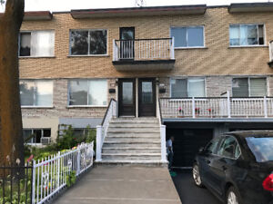 AHUNTSIC  2EME DE DUPLEX  IMPECCABLE
