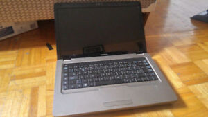 Compaq Laptop - 320GB Hard Drive - Microsoft Office