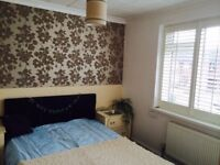 AN IMMACULATE DOUBLE ROOM FOR A SINGLE PROFESSIONAL IN A HOUSE SHARE LOCATED CLOSE TO W DRAYTON STN.