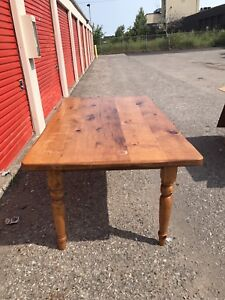 Amazing Reclaimed Pine Dining Room Table
